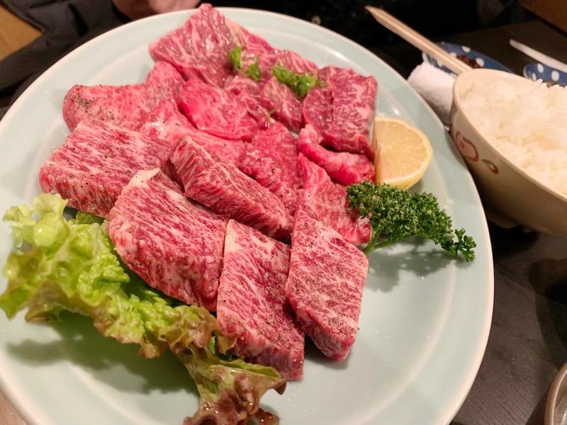 大阪にある 味の名門 焼肉 ソウル の肉の写真。