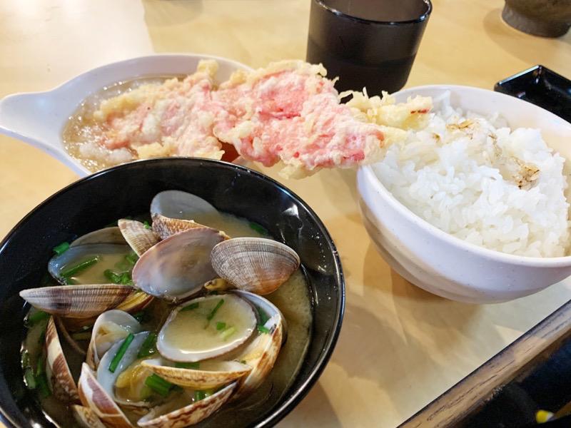堺魚市場の『天ぷらてん助』のあさり汁の写真