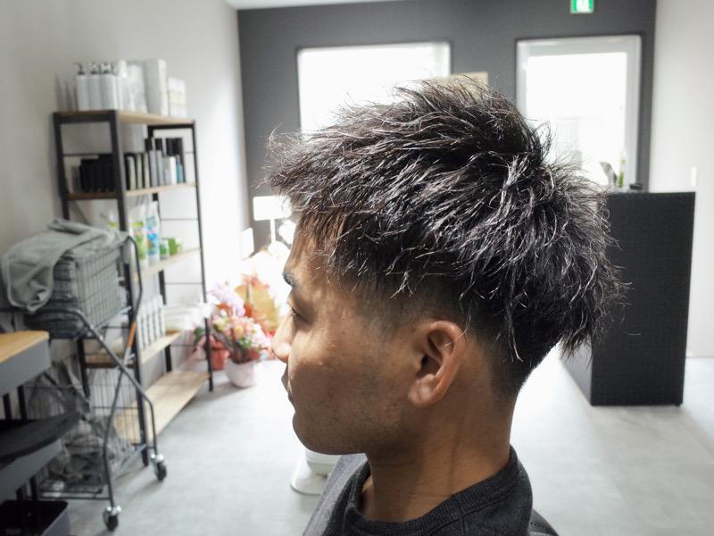堺市のバーバーショップライフヘアー 堺大浜にてツイストパーマをした髪型の写真
