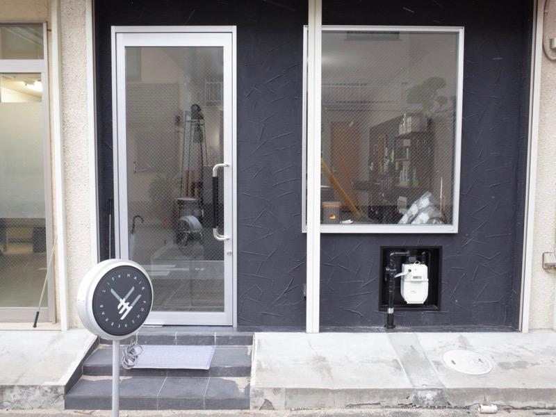 堺のメンズ理容室美容室BARBERSHOP LiFeHAIR堺大浜の外観の写真