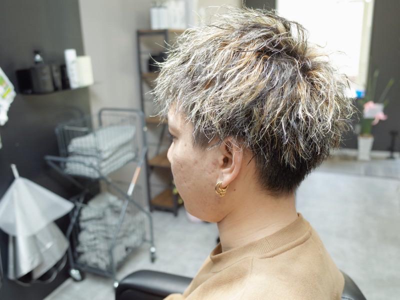 大阪の堺でツイストパーマ×メッシュキャップカラーをした髪型の写真