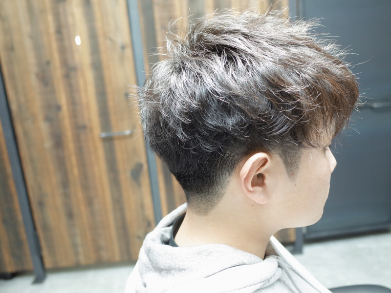 大阪の堺でツイストスパイラルパーマをかけた髪型の紹介写真