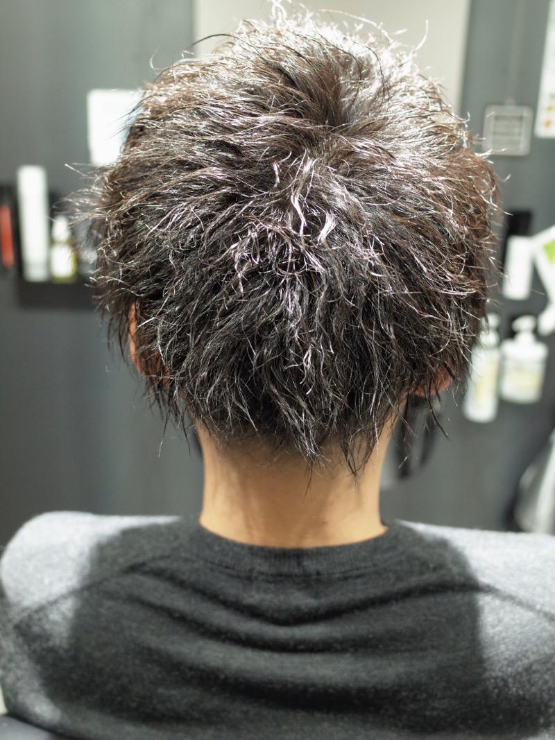 大阪府堺市でメンズツイストパーマをかけた髪型の写真